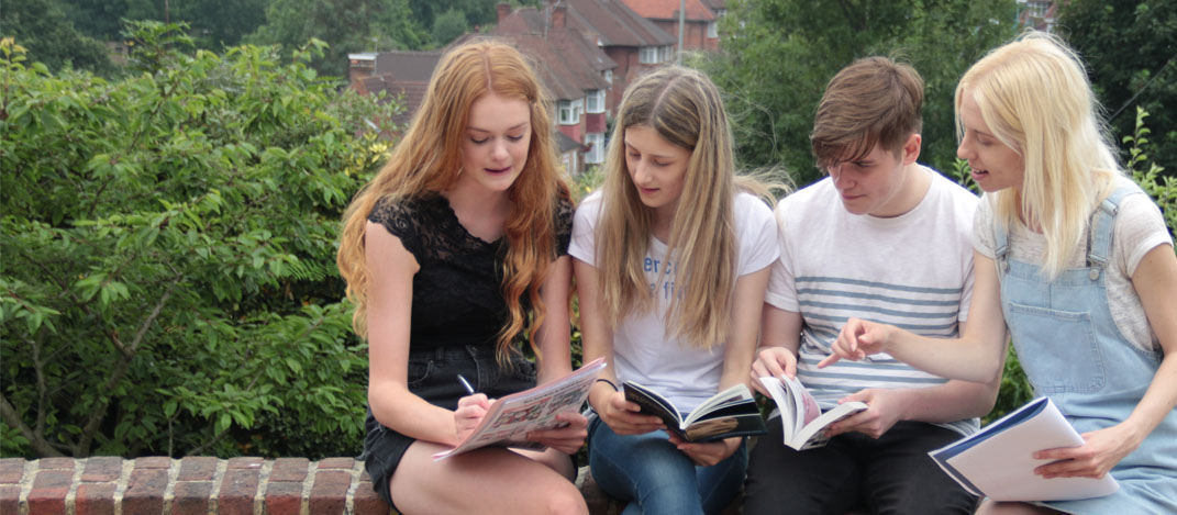 Teenage students Ellern Mede School
